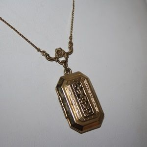 Vintage 1928 Locket Gold 29 inches